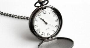 timing of social media posts